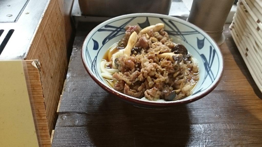 丸亀製麺牛肉ひらたけしぐれ煮ぶっかけ完成